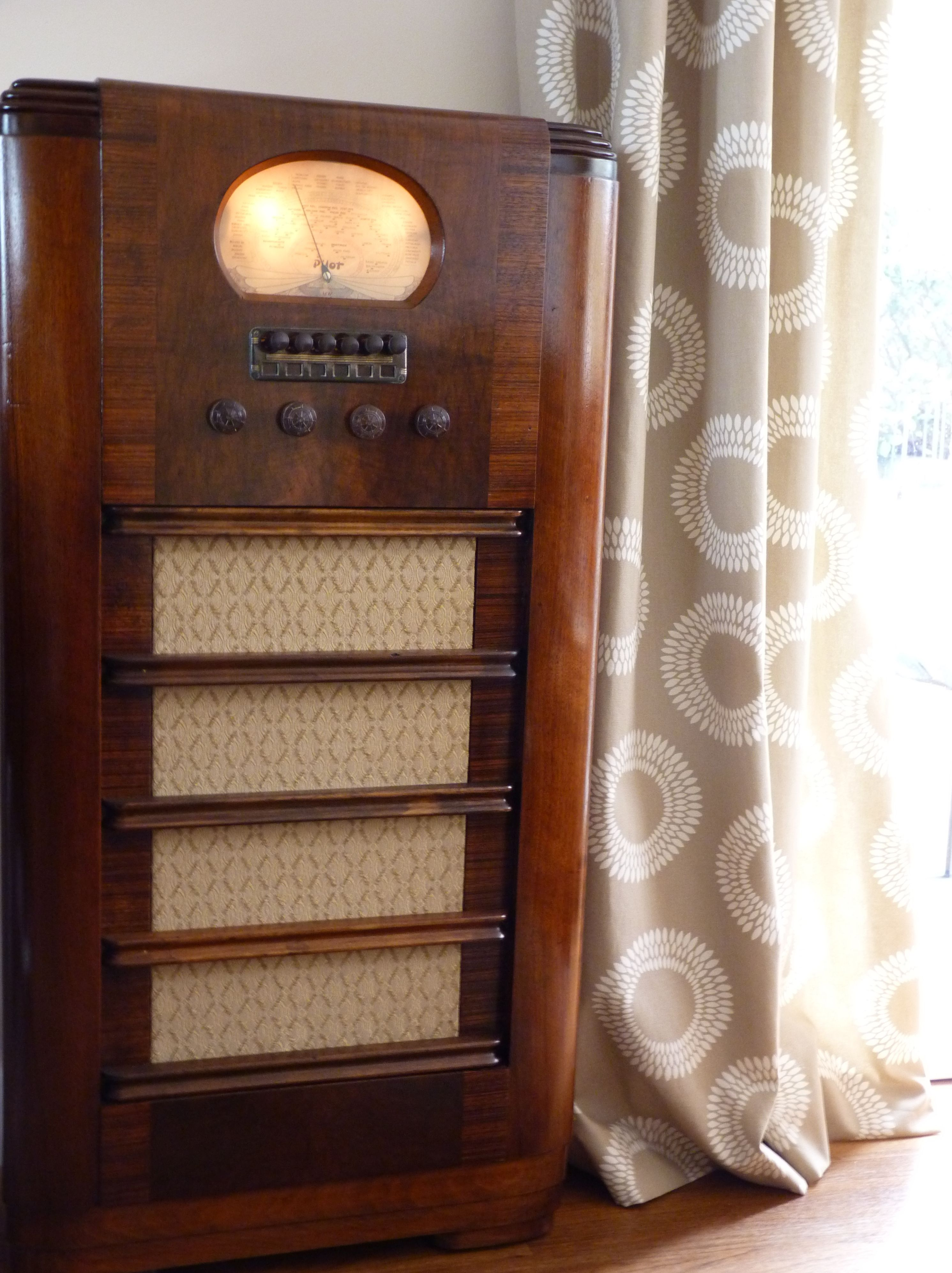 Fully Restored 1938 Floor Standing Pilot Radio Behold A