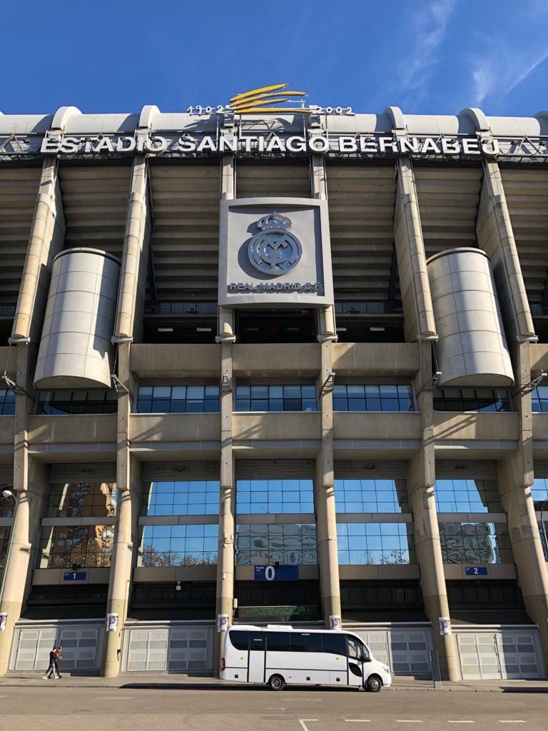 Alquiler De Minibús Para 25 Personas Con Conductor Fondos De Pantalla Real Madrid Fondos Del Real Madrid Fondos De Pantalla Deportes