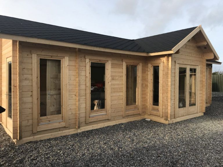 Holzhaus mit 70 mm Wandstärke als Bürogebäude Garden log