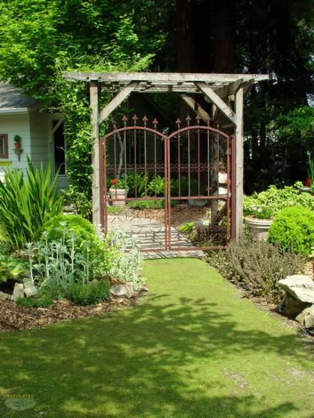 If You Re Tired Of Your High Maintenance Lawn Discover A Wide Array Of Good Front Yard Garden Design Front Yard Landscaping Design