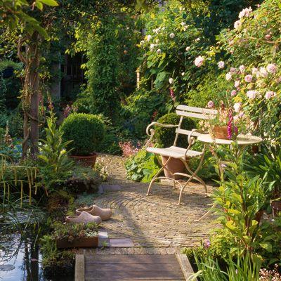 Romantischer Sitzplatz am Gartenteich | Love | Pinterest ...