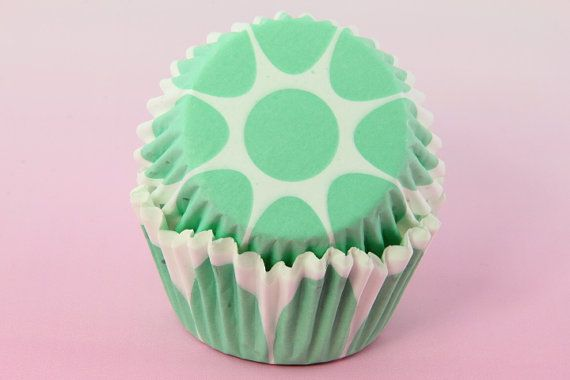 Green Scallop Tulip Cupcake Liners Edged Tulip Flower 2 Standard Size Baking Cups Bulk Cupcake Liners Cupcakes Baking Cups