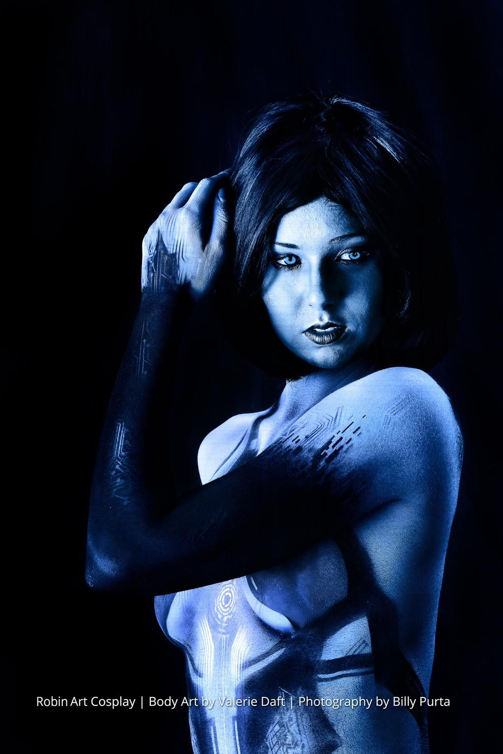 Halo Cortana cosplay (vivolatino.com pinterest)   the best