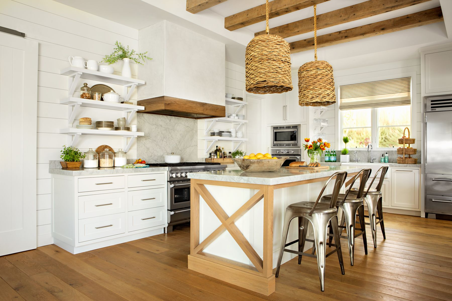 Inside a california bungalow that 39 s equal parts country for Cal s country kitchen