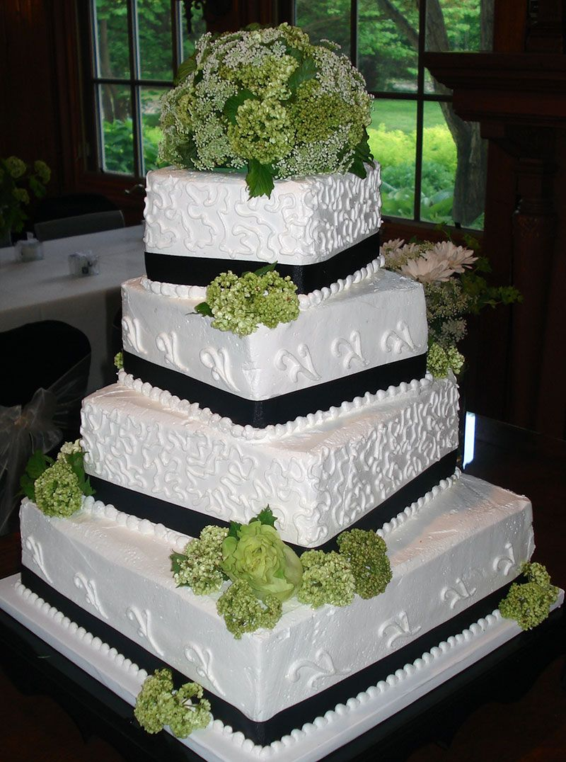 Wedding Cake By Gwen S Decorating In Saline Michigan Delivers To Ann Arbor