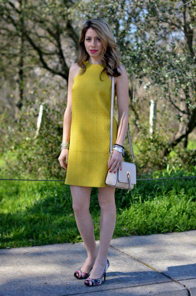 Yellow simple sleeveless dress styles