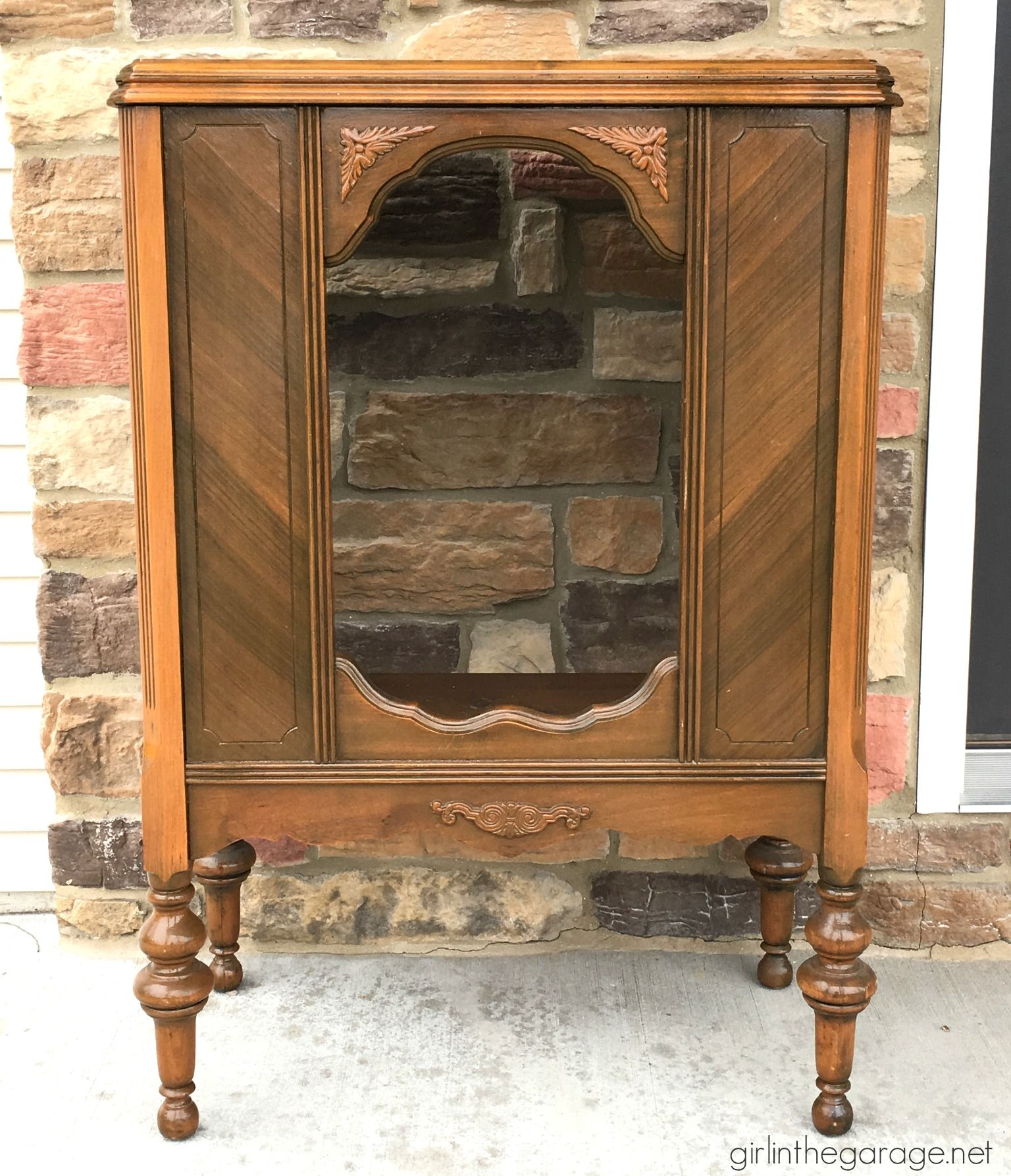 Repurposed antique radio cabinet makeover to bookcase - by Girl in the  Garage - Yard Sale Radio Cabinet Makeover Girl In The Garage Pinterest