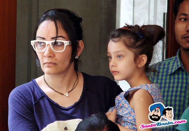 Sanjay Dutt's wife Manyata Dutt and daughter Iqra Dutt and