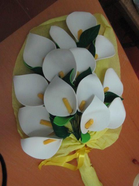 5c1a75699fb ramo de flores en calas de goma eva ideal para aniversario