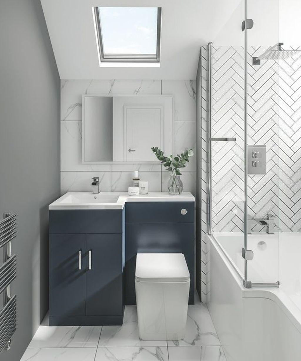 33 Fabulous Small Bathroom Design Ideas Pimphomee Small Bathroom Interior Small Bathroom Decor Small Bathroom Layout