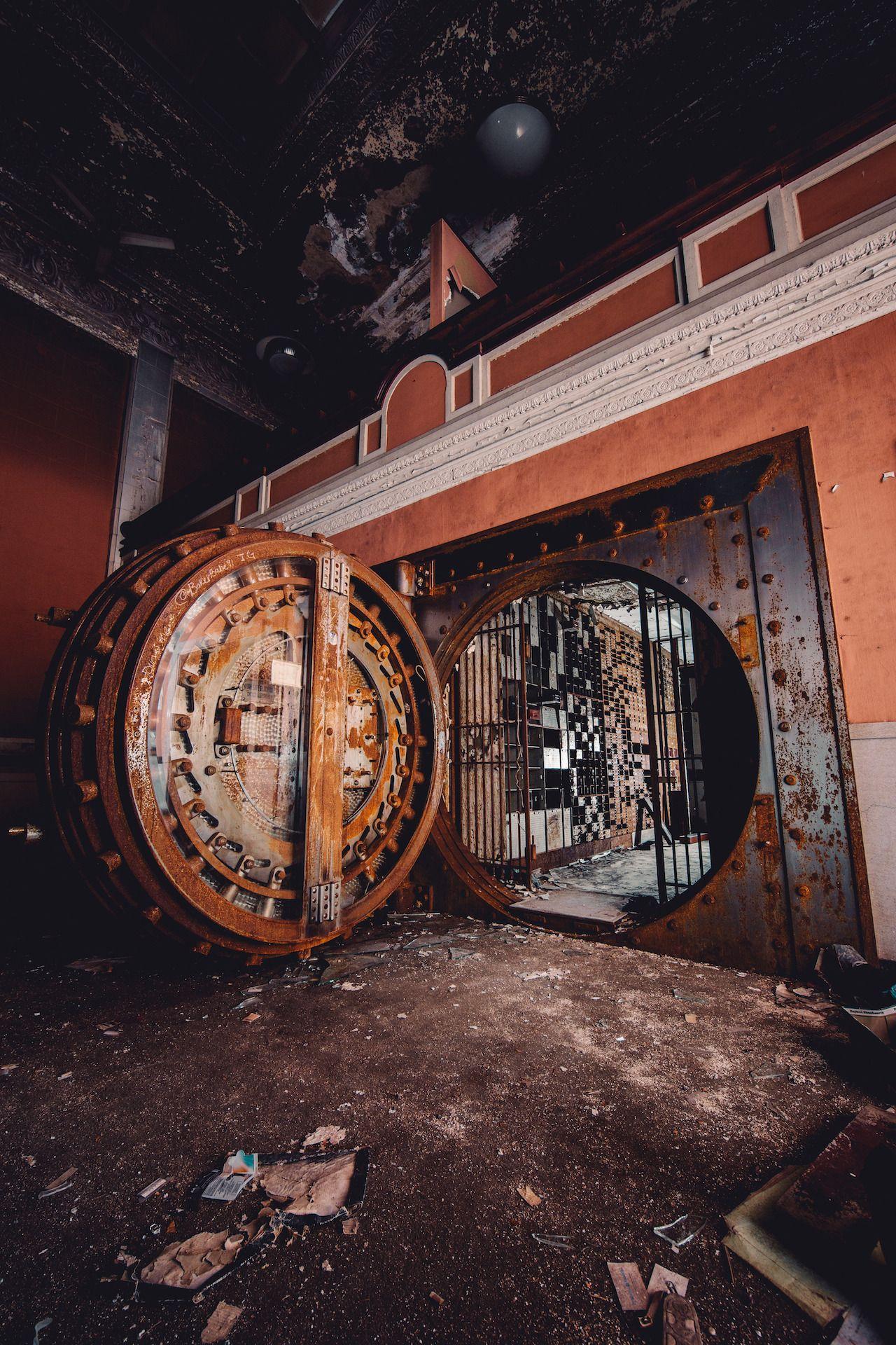 abandoned bank in indiana | photo by trashhand #abandonedplaces