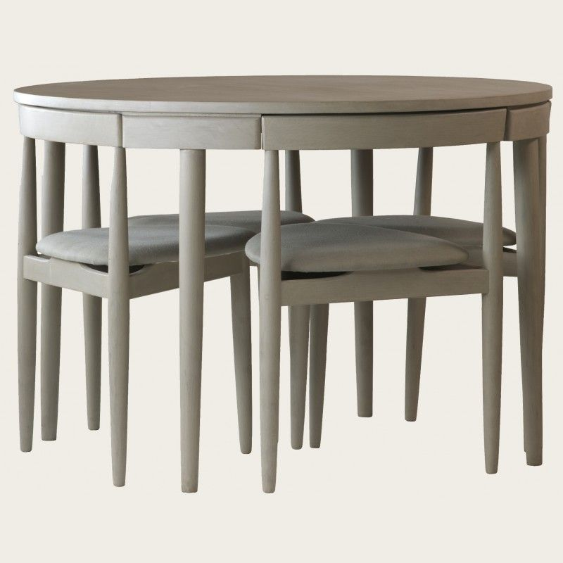 Round table with four chairs three legs would b nice to for Round dining table small space
