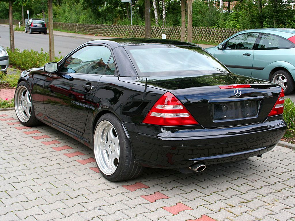 black slk 230 google search bad ass mercedes pinterest mercedes slk cars and mercedes benz. Black Bedroom Furniture Sets. Home Design Ideas