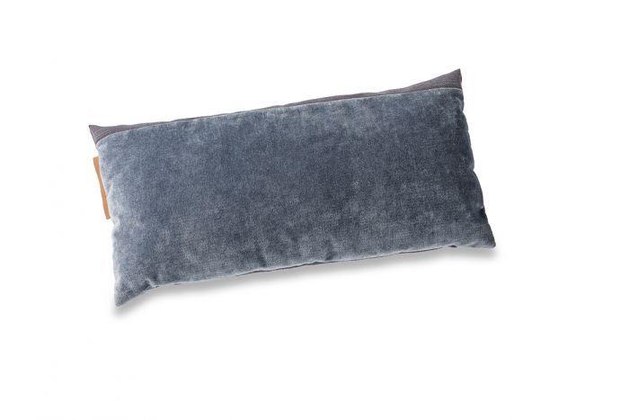 Clutch kussen 305 denim violet Eyye | Slijkhuis Interieur Design ...