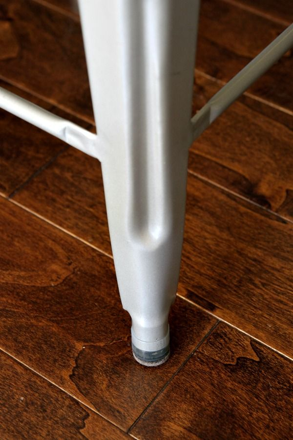 Hardwood Floor Furniture Protectors >> How to not scratch your floors with your chairs. flexifelt