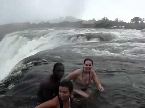 La Piscina Della MORTE..!!! Il Bagno Più Pericolos - YouTube