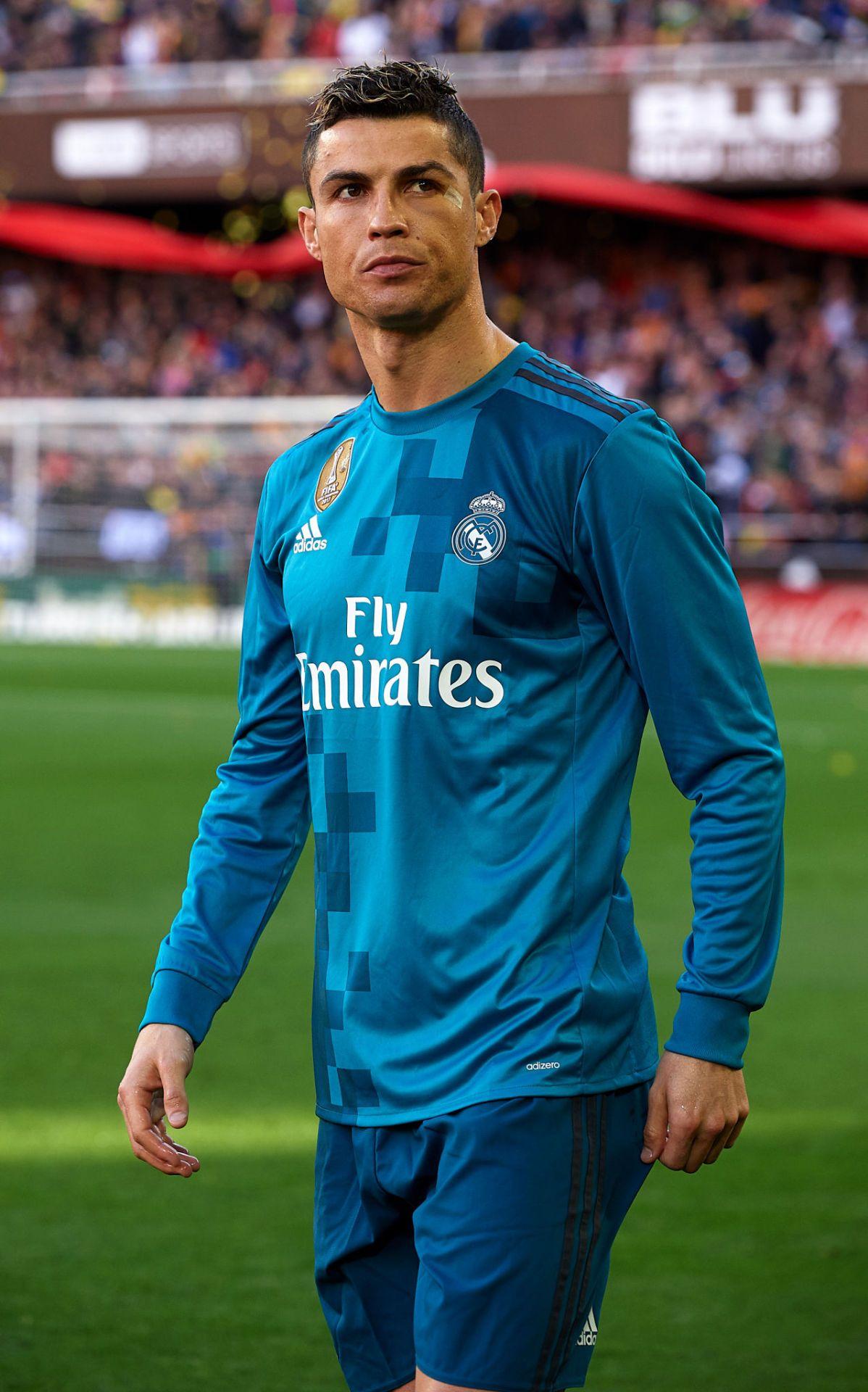 p ▫️Cristiano Ronaldo ▫ 👑❤   p   5e4eda787d7f0