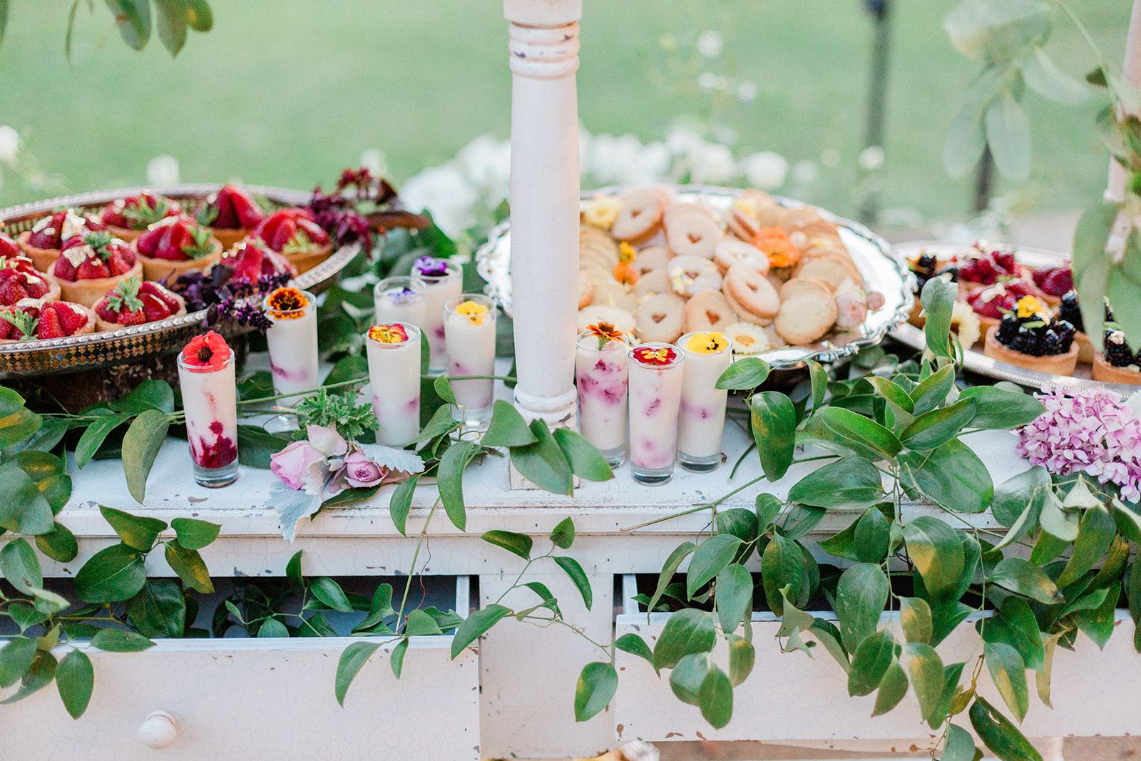 Beautiful desserts that serve as awesome wedding