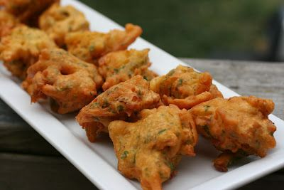 Onion bhajias onions vegans and recipes these crisp and golden brown onion spinach pakoras are a delicious savoury start to any indian themed dinner party forumfinder Images