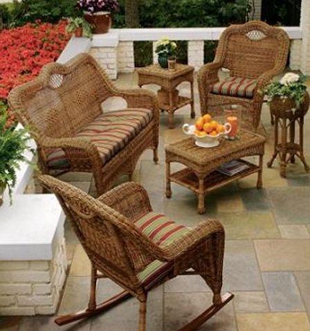 Muebles mimbre para terrazas peque as patios terrazas y for Sillones pequenos baratos