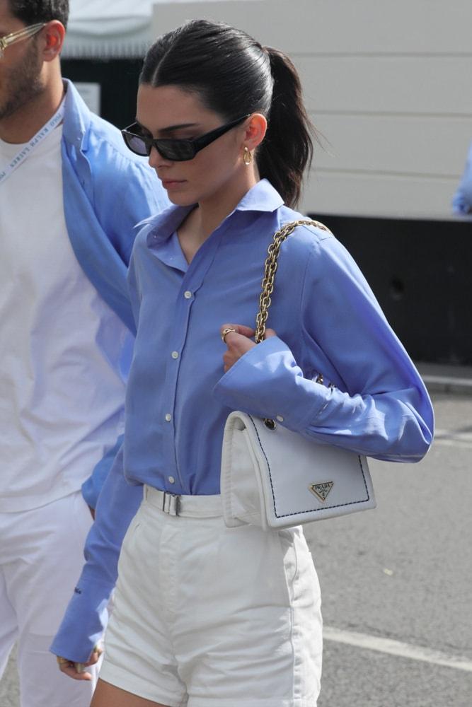 Photo of Celebs Make Their International Rounds with Versace, Prada and Shrimps – PurseBlog