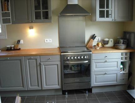 une cuisine enti rement repeinte en 2018 d co pinterest relooking cuisine cuisine gris et. Black Bedroom Furniture Sets. Home Design Ideas