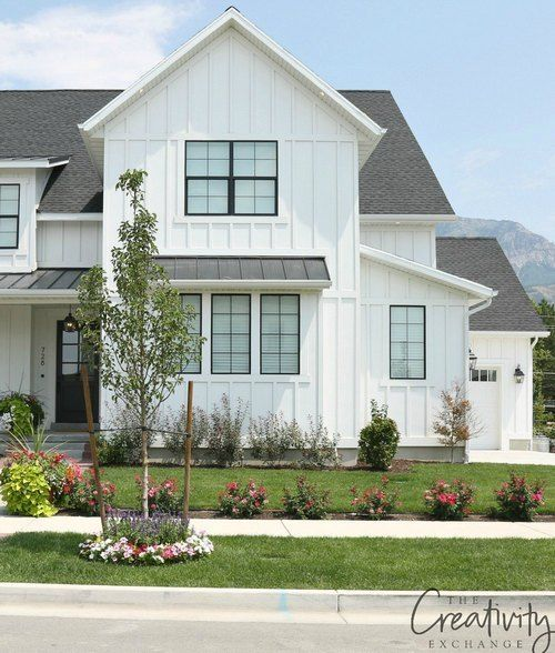 32+ Simply Modern Farmhouse Exterior Design (With Images
