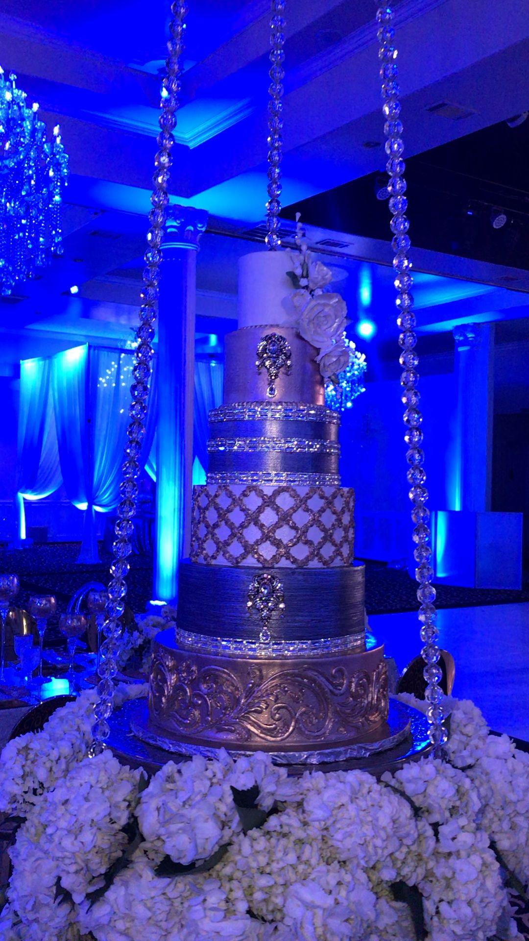 Wedding Cakes by Tammy Allen