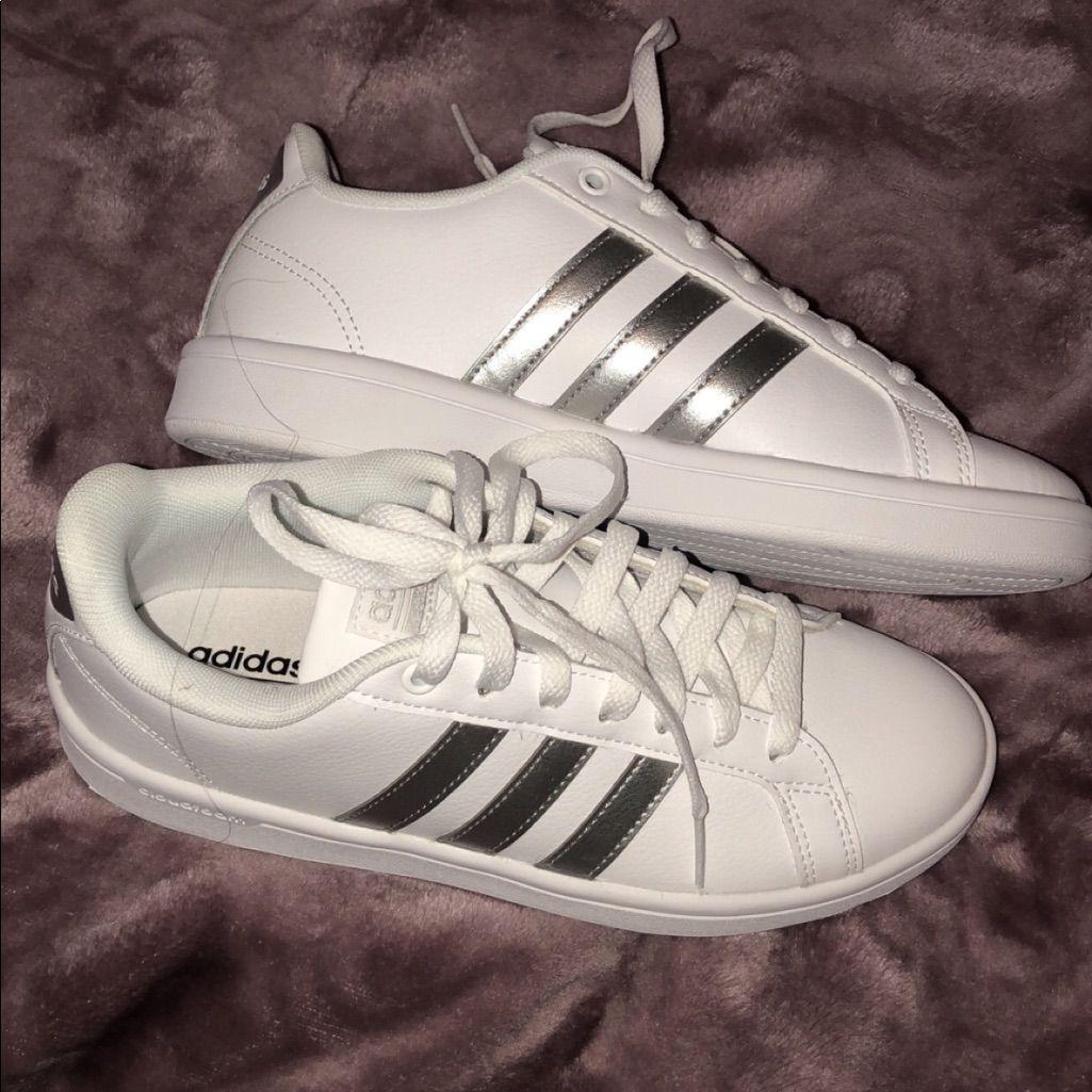 adidas Shoes White Adidas Color White Size 6.5