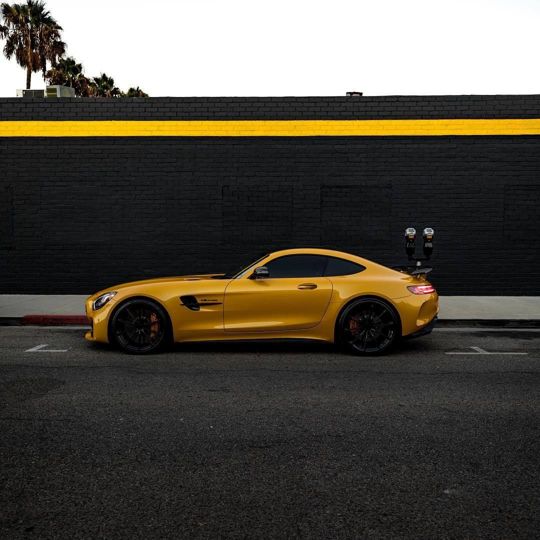 Black And Yellow Mercedes Amg Gt R Mercedes Amg Gt R Mercedes Amg Mercedes Benz Cars