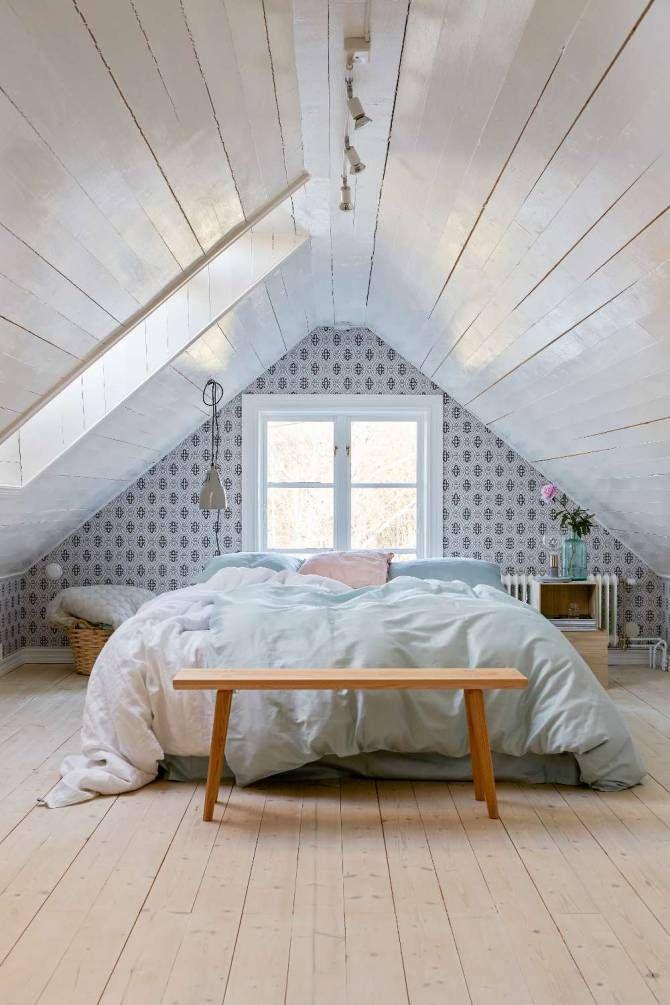 Vinden blev ett gästrum Av Karin Svedman Foto Klas Sjöberg Hus Vind Renovering Pinterest