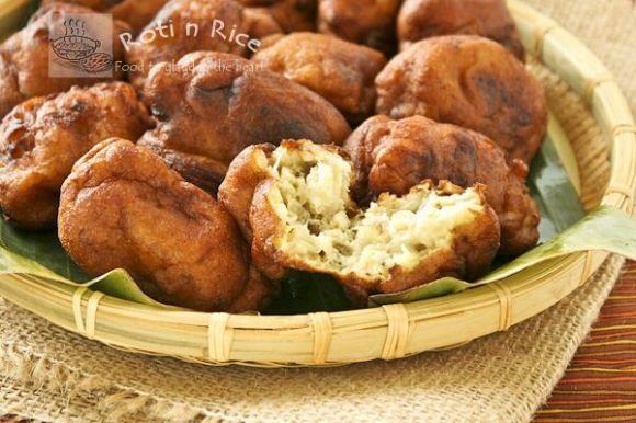 biren from roti n rice featuring kuih kodok mashed banana fritters banana fritters fritters recipes pinterest