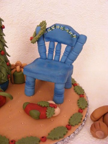Chair tutorial. Might be cute to use it as a cell phone holder or tealight holder.