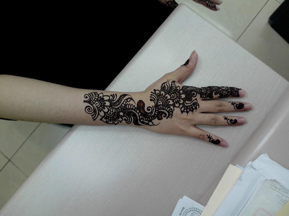 Arm Mehndi Style : Pakistani and indian traditional mehndi style s girls