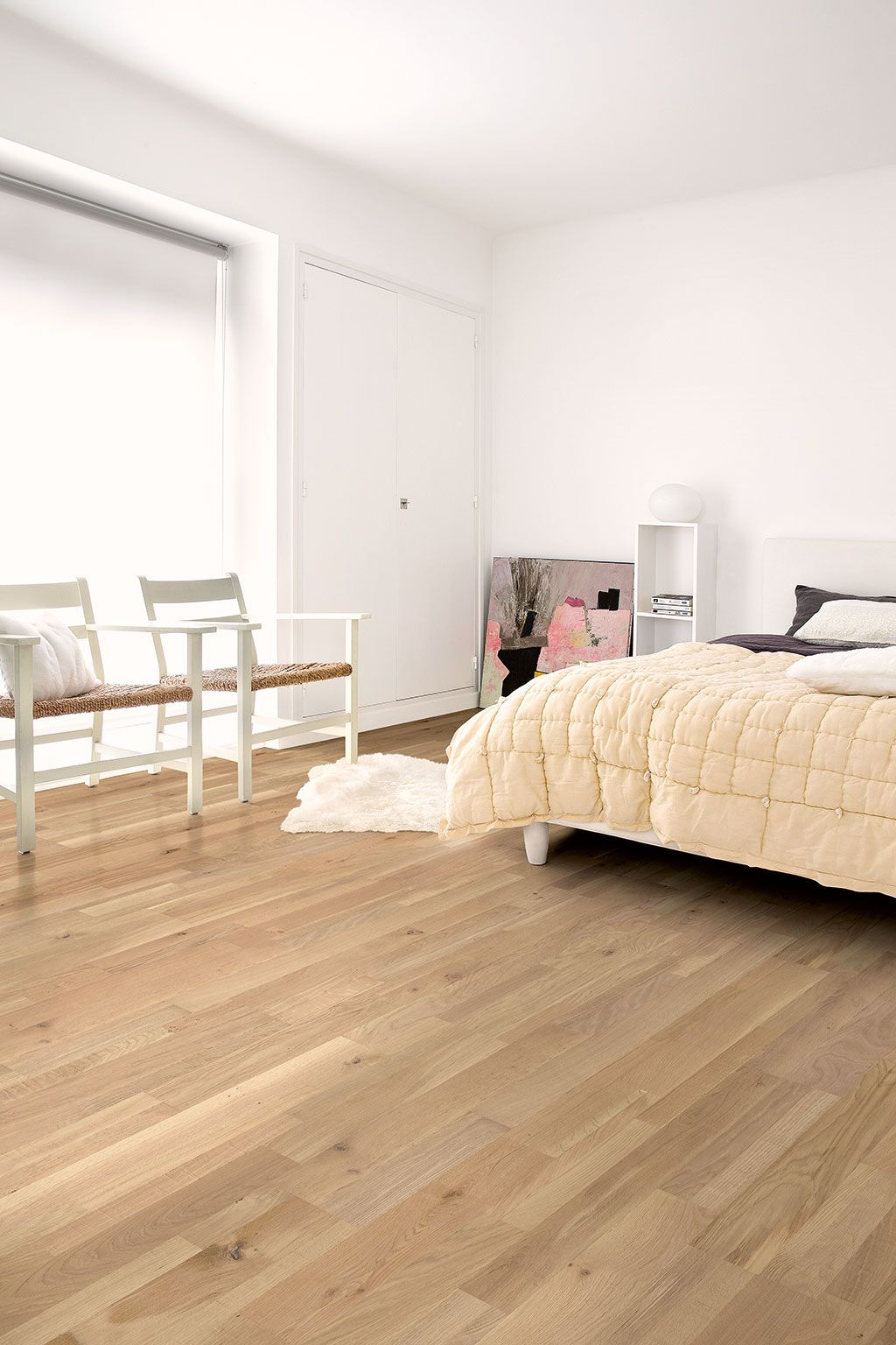 How To Find The Bedroom Flooring Of Your Dreams Bedroom Flooring Oak Flooring Bedroom Modern Bedroom