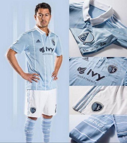 new products 16155 a0a94 Nouveaux maillot Sporting Kansas City 2017 2018 Le nouveau ...