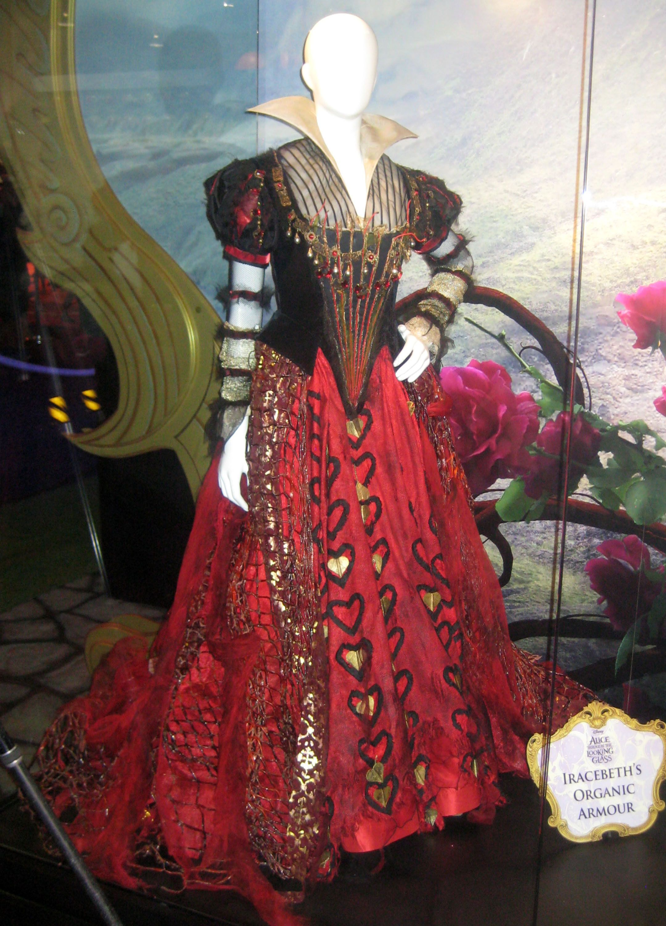 Iracebeth's organic armor from Alice Through the Looking Glass. Looks fantastic! # ...