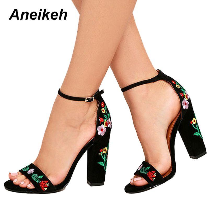 9f5c7f94c Aneikeh Novas Flores Bordados Sapatos Mulheres Sexy Sandálias de Dedo Aberto  Gladiador Salto Alto Mulheres Sapatos Preto Tamanho 35-40