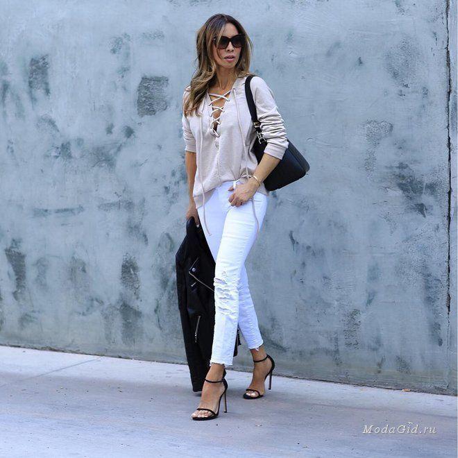 фото джинсовый костюм и белые сапоги юных лет
