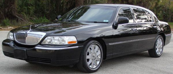 Offering Sedan Town Car Service From Orlando Airport To Port Canaveral.  These Luxury Town Cars