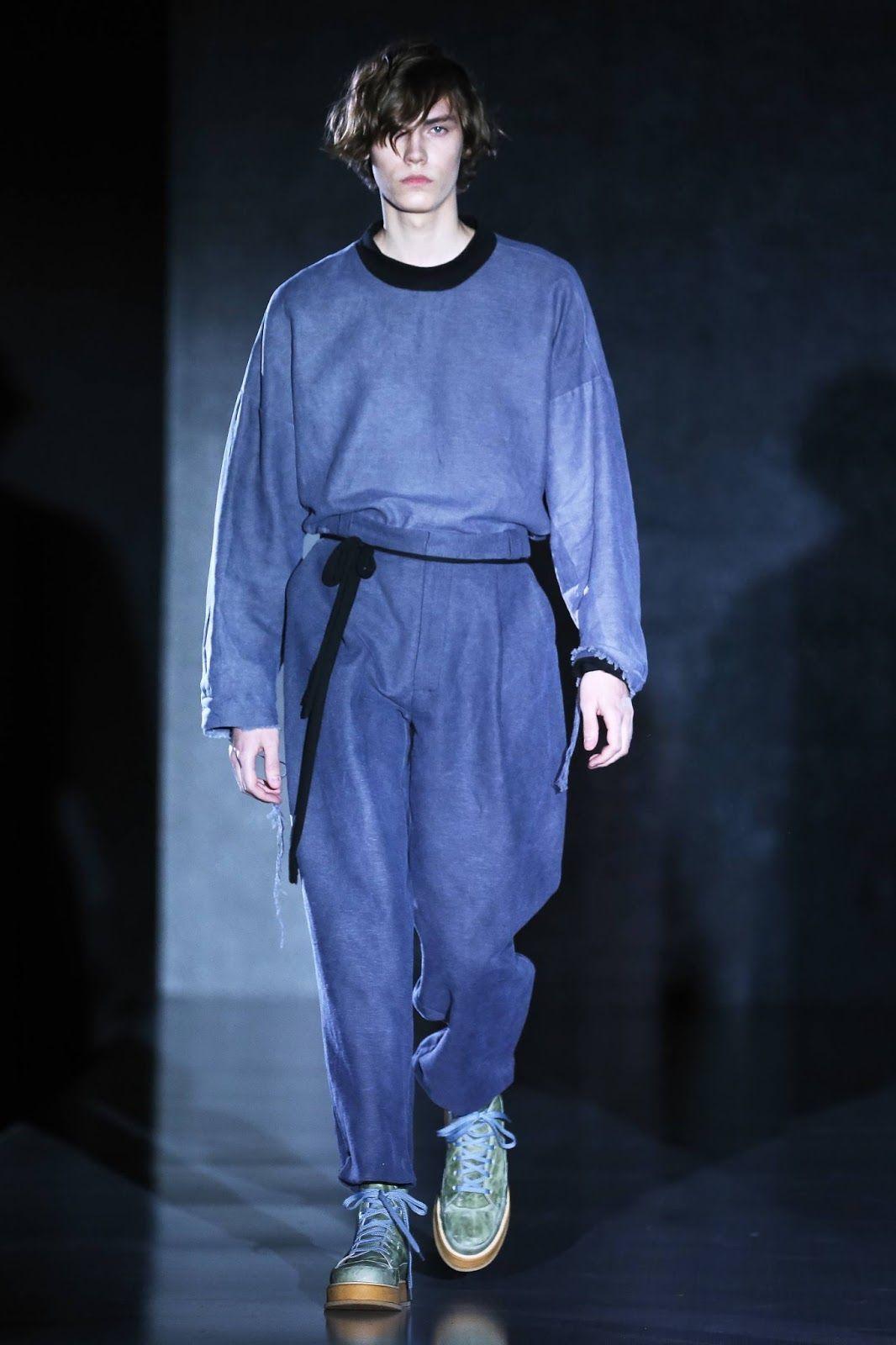 Colores agrestes, telas fluidas, y tonos grisáceos forman parte de la colección de invierno de la firma Pirosmani
