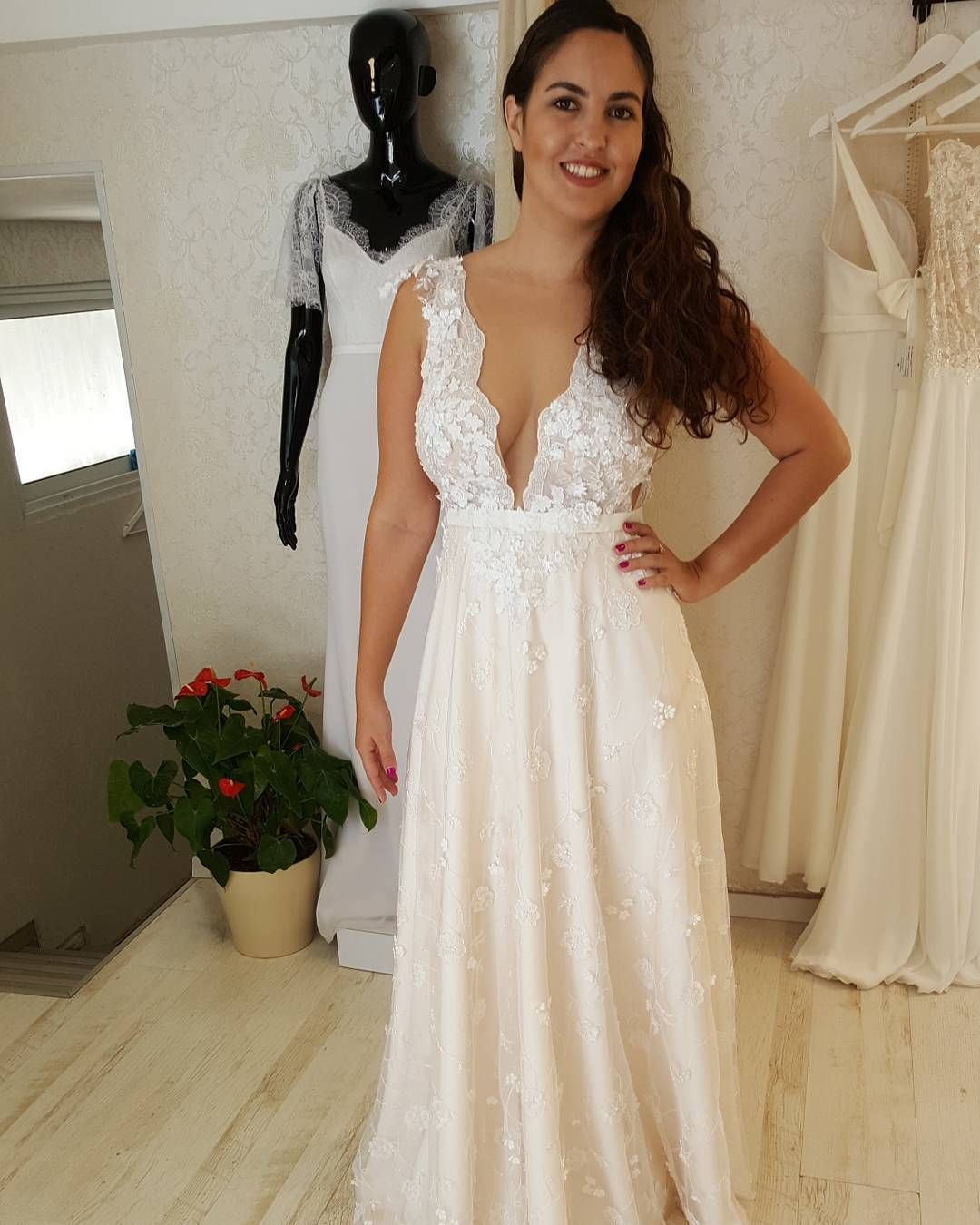 Sexy plus size wedding dresses can be custom made to order for you in any size or shape you need.  We are USA dressmakers who provide curvy brides all types of beautiful #plussizeweddingdresses they can afford. You can also have a #replica of a couture bridal gown made for far less than the original by our design firm.  Just contact us directly for details at www.dariuscordell.com