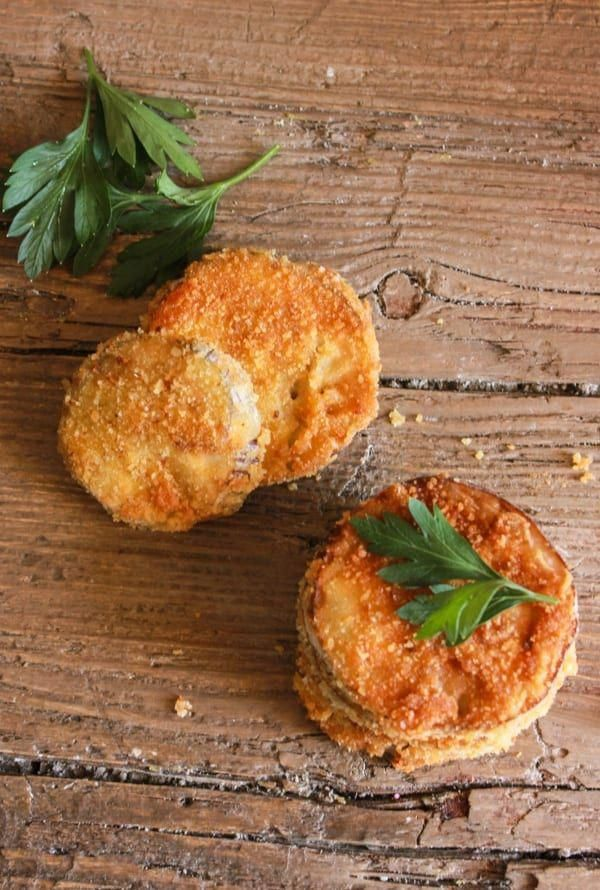 Italian Breaded Eggplant, an easy and so delicious side dish or appetizer, sliced eggplant lightly fried in a yummy Parmesan breadcrumb mix. Perfect!