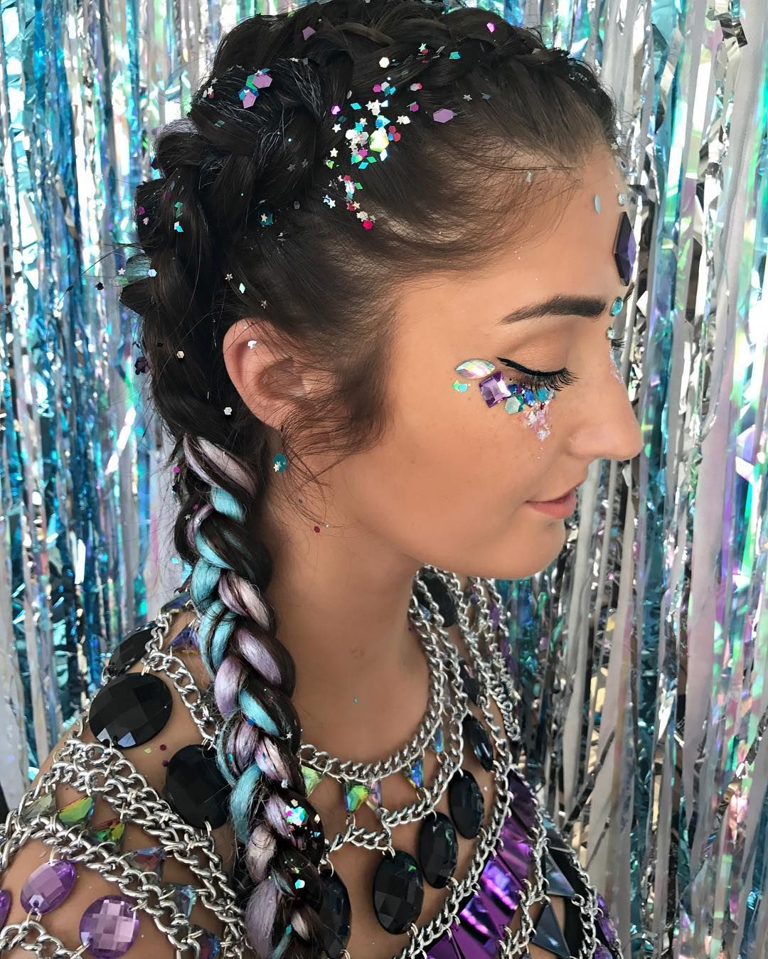 Sparkle shine glitter hair and makeup feathers shimmer - Beautiful Edc Hair Style For Stylish Girl Festival Makeup
