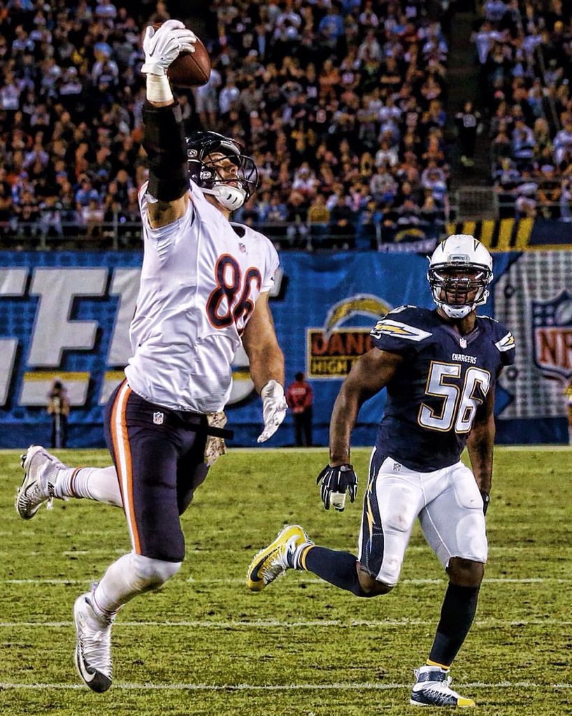 Zach Miller What A Catch Chicago Bears Chicago Bears Football Chicago Sports Teams