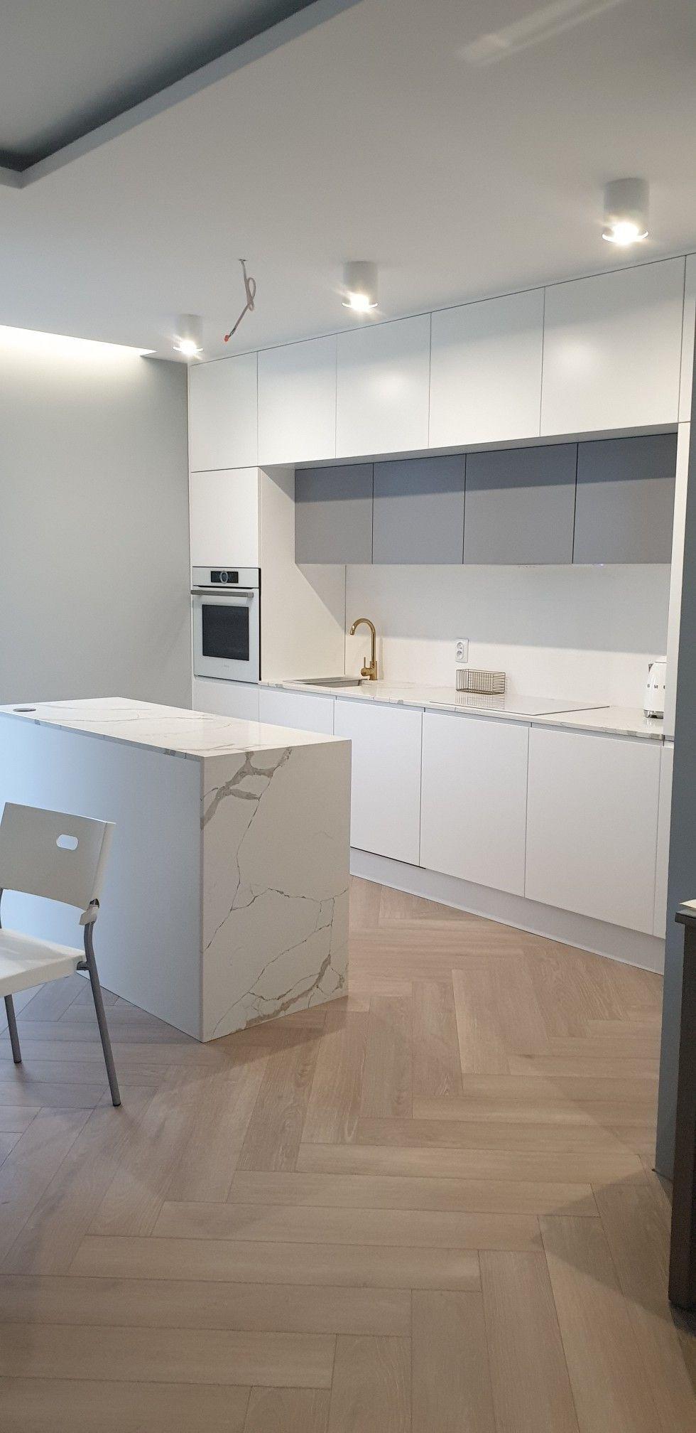Kuchnia Biala Szara Marmur Jodelka Home Home Decor Kitchen