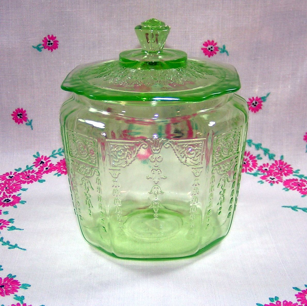 Green depression glass cookie jar hocking glass princess pattern green depression glass cookie jar hocking glass princess pattern reviewsmspy