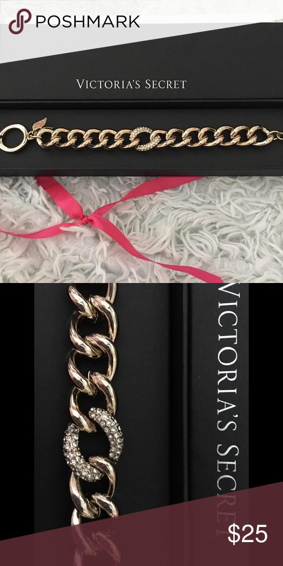 fcda59f7cd893 NIB Victoria's Secret Gold toggle bracelet VICTORIA SECRET Gold Tone ...