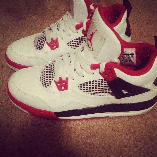 Jordan Black n Red Retro 4s | Walk in