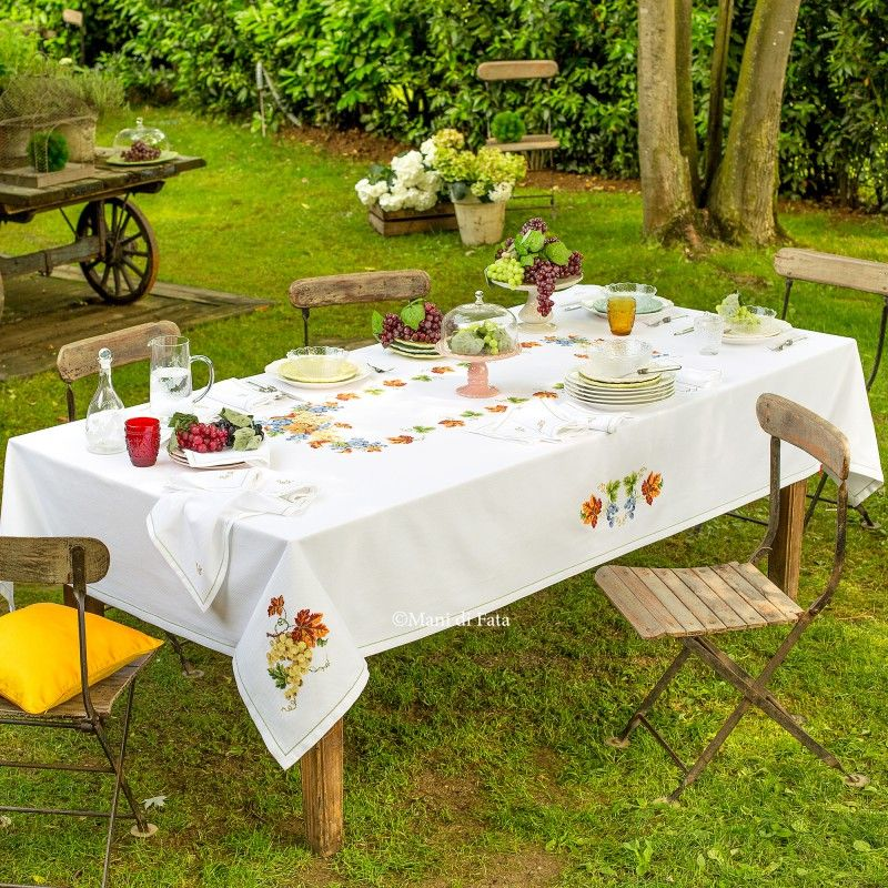 Aida e schema per fare tovaglia a punto croce con uva mani di fata punto croce table - Disegni punto croce per tovaglie da tavola ...